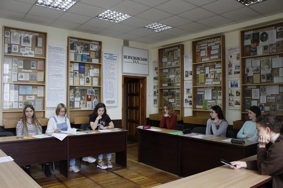 IДо Дня рідної мови круглий стіл провели в ННІ УФСК