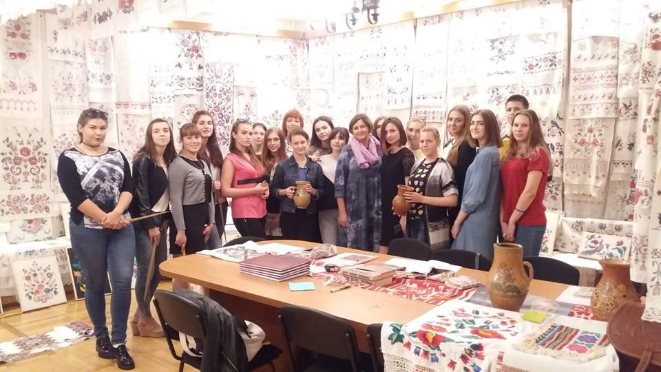 IВидавці першого курсу відвідали музей українського рушника