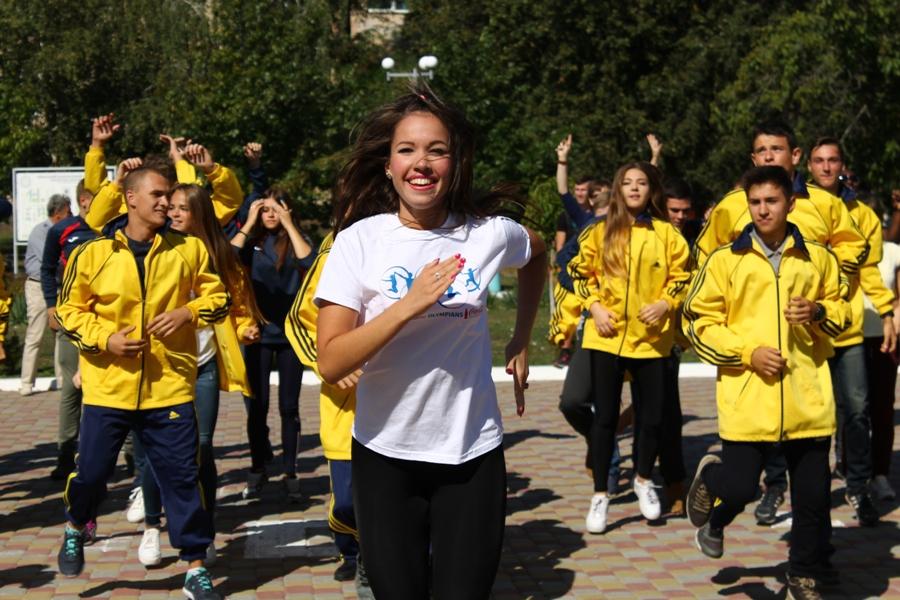 IАктивні студенти ННІ УФСК долучилися до олімпійського флешмобу