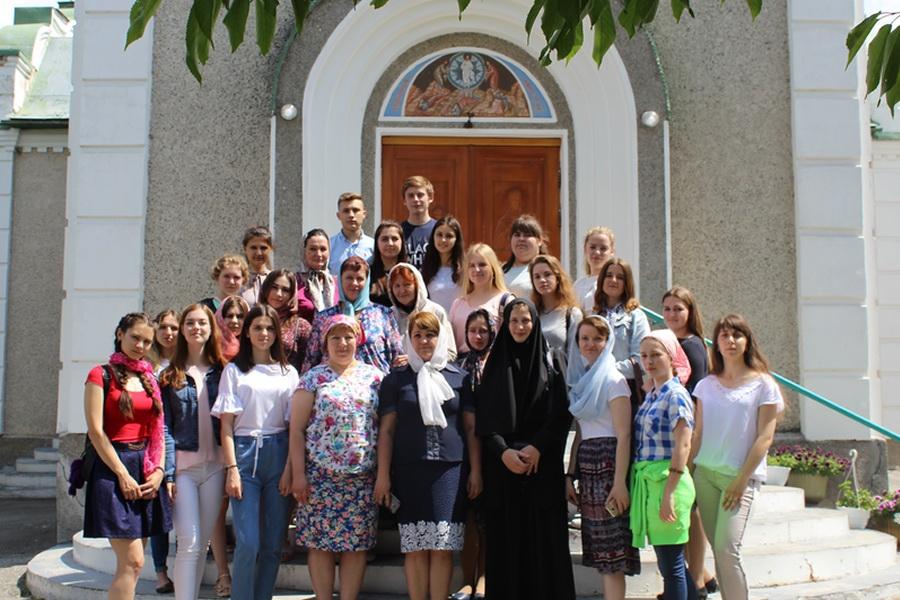 ICтуденти-філологи разом із викладачами відсвяткували День слов'янської писемності і культури